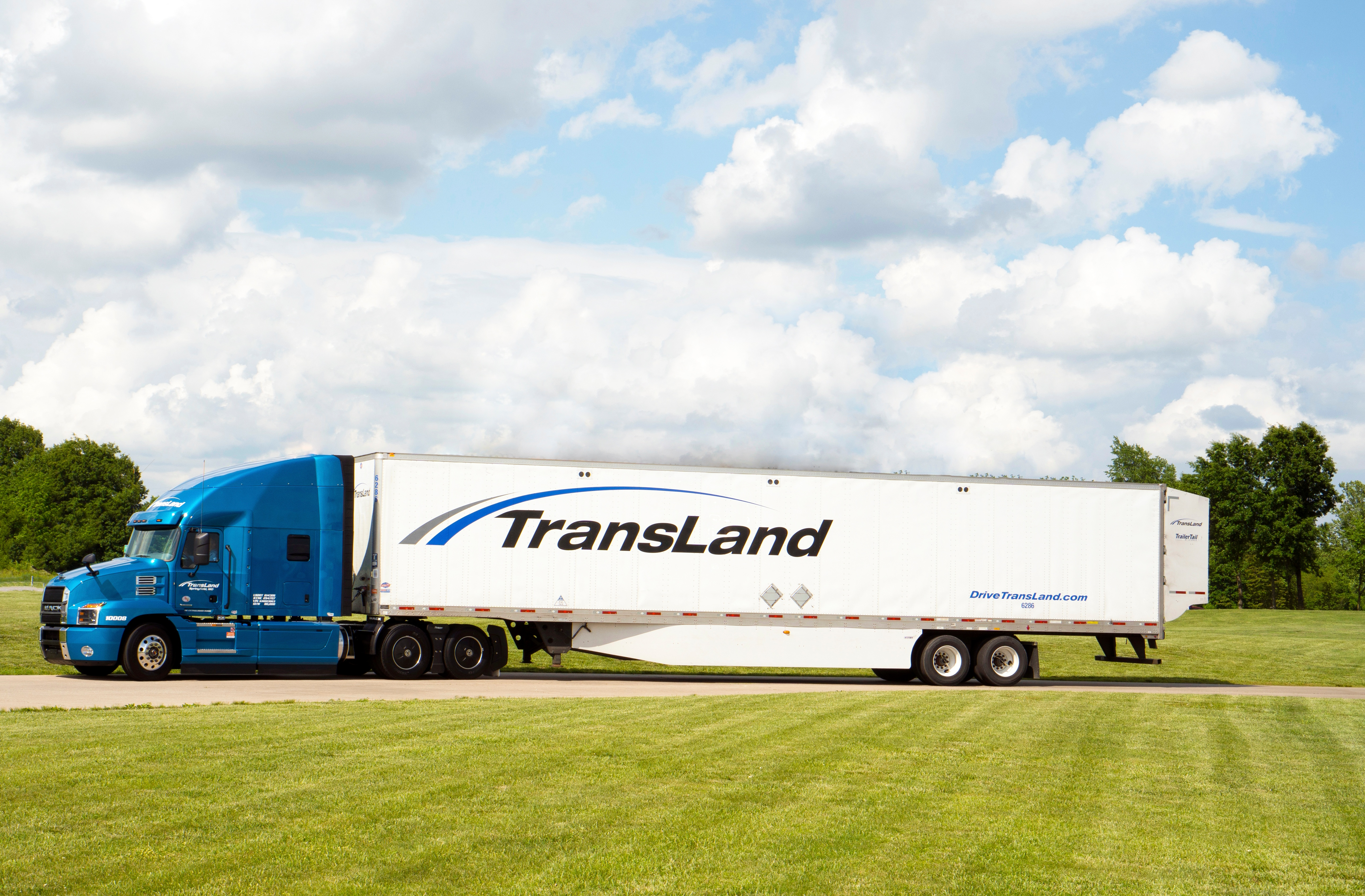 Trucking Jobs Stay at Your First Trucking Company More Than a Year